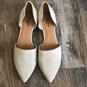 Crown Vintage 9 'Neal' NWOT Beautiful Suede Flats